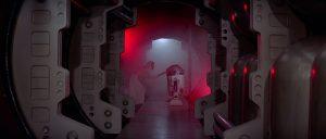 Leia entrega los planos de la Estrella de la Muerte a R2D2