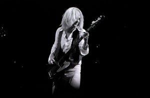 Tom Hamilton, bajista de Aerosmith.
